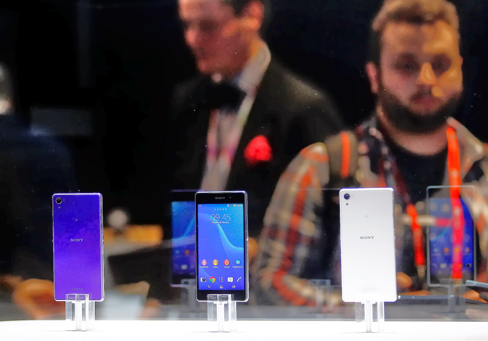 Barcelona, Business, Economy, Electronics, Exhibition, Exhibitor, Features of xperia z1, Kunimasa Suzuki, Mobile, Mobile World Congress, President-CEO of Sony, Smartphones, Tablet, Technology, Xperia Z1, Xperia Z2,