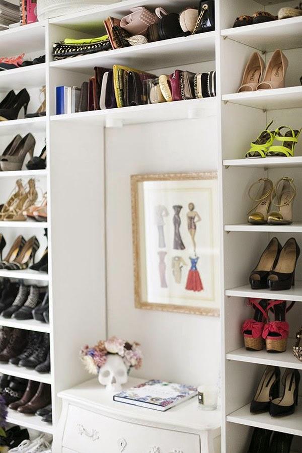 vestidor blanco de ikea con baldas para bolsos y zapatos