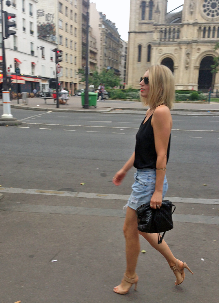 Fashion Over Reason in Paris, Bottega Veneta intrecciato cross-body leather bag, vintage Levi's distressed cutoffs by Refind Denim, Vince Gemma leather nude heels, street style, on the street