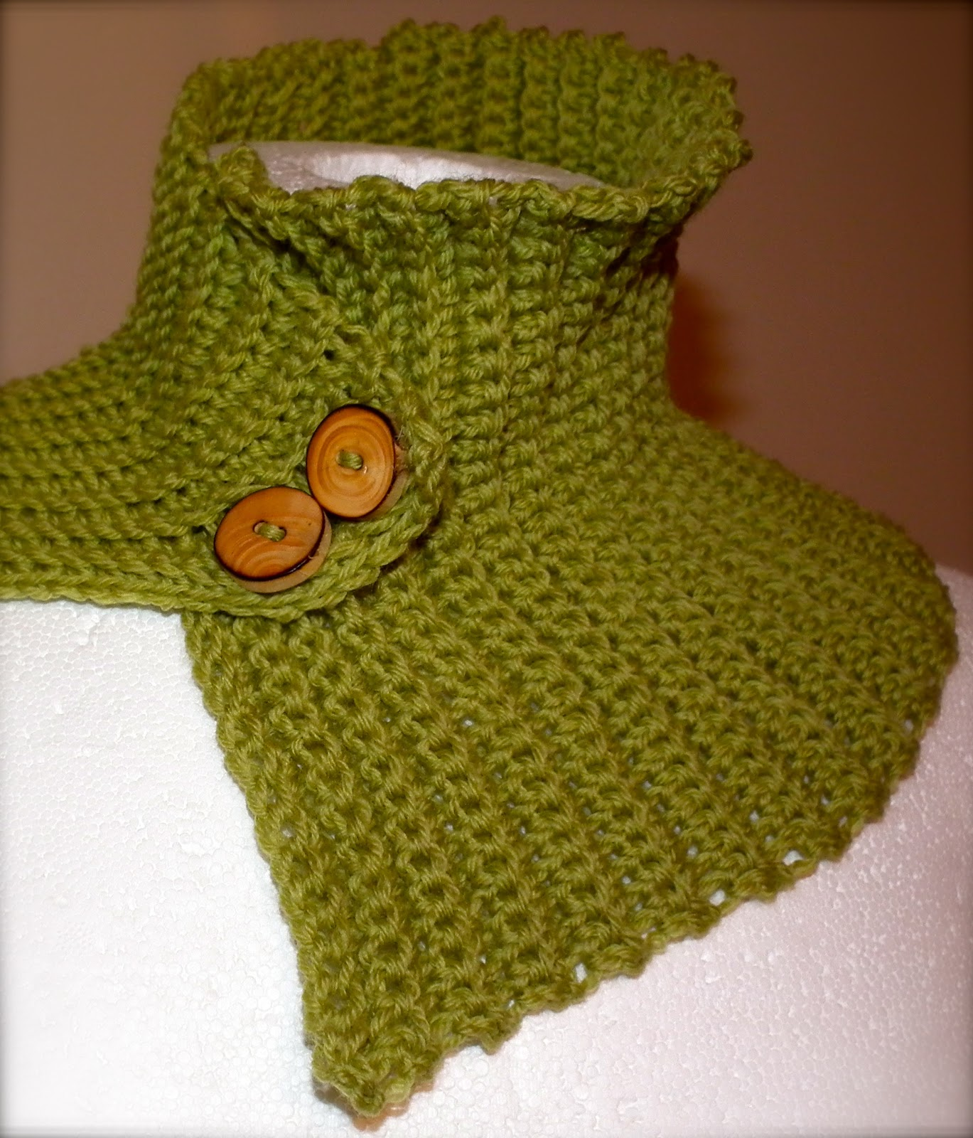 ra-mi: Really Easy Neck Warmer Free Crochet Pattern