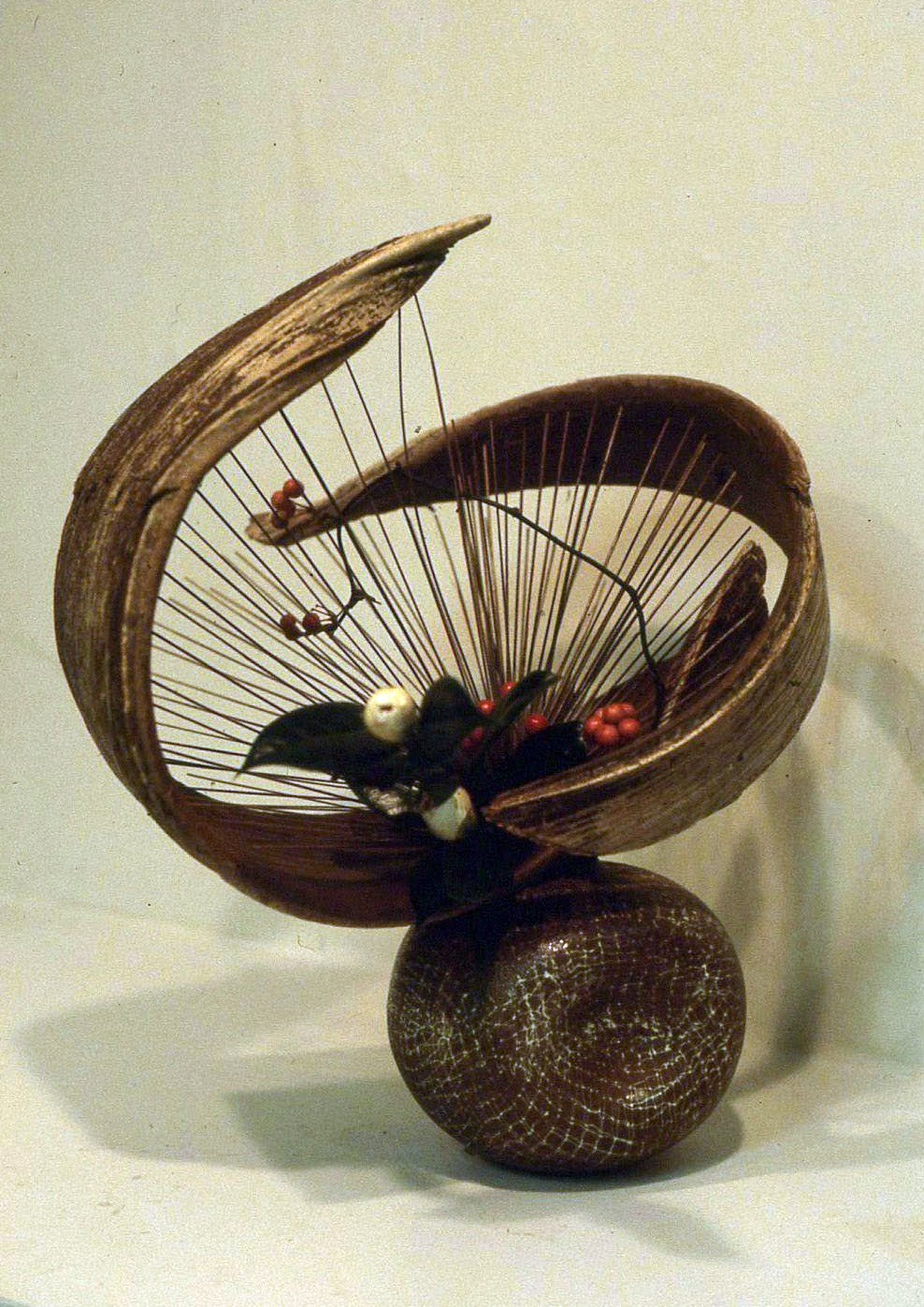 Kamaka pottery ikenobo ikebana for Japanische blumenkunst