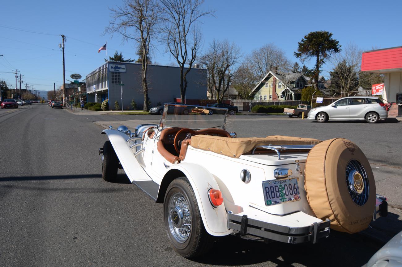 OLD PARKED CARS.: CMC Gazelle.