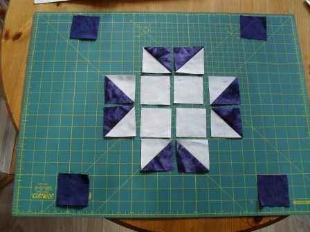 Quilt Patterns Using Squares And Triangles : How To Quilt - Quilt Blocks - Simple Quilt Patterns: UNION STAR QUILT BLOCK