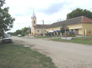 Strada principala din Beba Veche