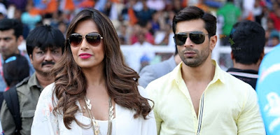 Love birds Bipasha and Karan holiday in Maldives