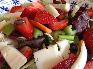 insalata fragole e pecorino al balsamico