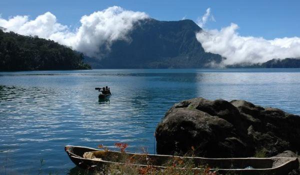 Otonomi Daerah Dalam Pembangunan Pariwisata  di Taman Nasional Kerinci Seblat (TNKS)