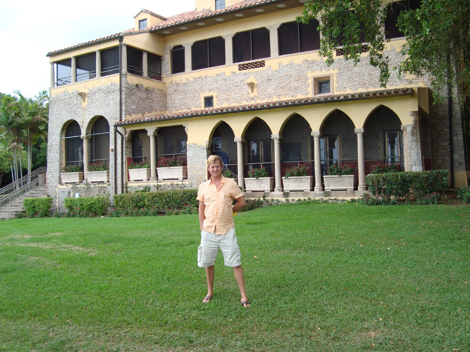 dean farris style deering estate at cutler south miami i feel very palm beach here behind the house those arches are so mizner