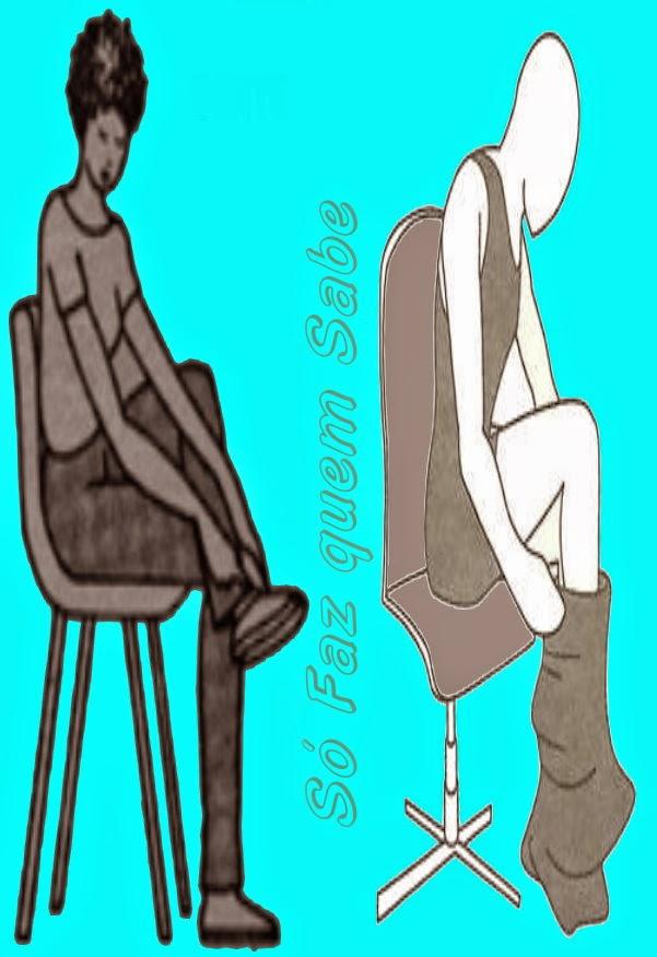 Postura corporal correta ao se vestir ou calçar sapatos: sentado sem curvar a coluna.