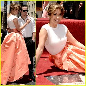 Jennifer Lopez gets star on Hollywood Walk of Fame
