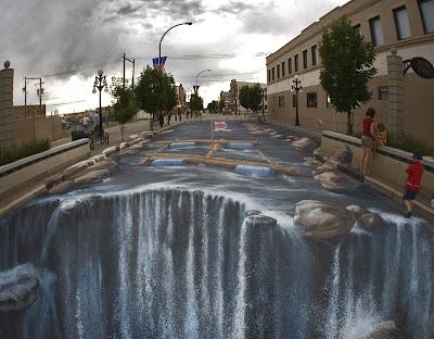 crazy sidewalk art - optical illusion art - sidewalk art pics