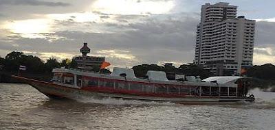 รูป เรือด่วนพิเศษธงส้ม