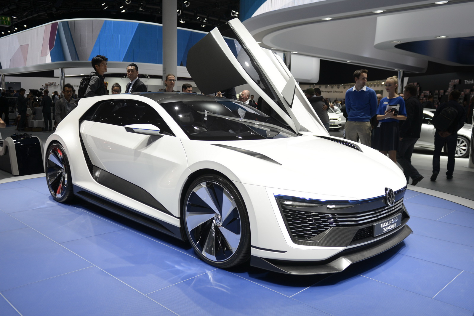 vw brings awesome golf gte sport concept to frankfurt because why not. Black Bedroom Furniture Sets. Home Design Ideas