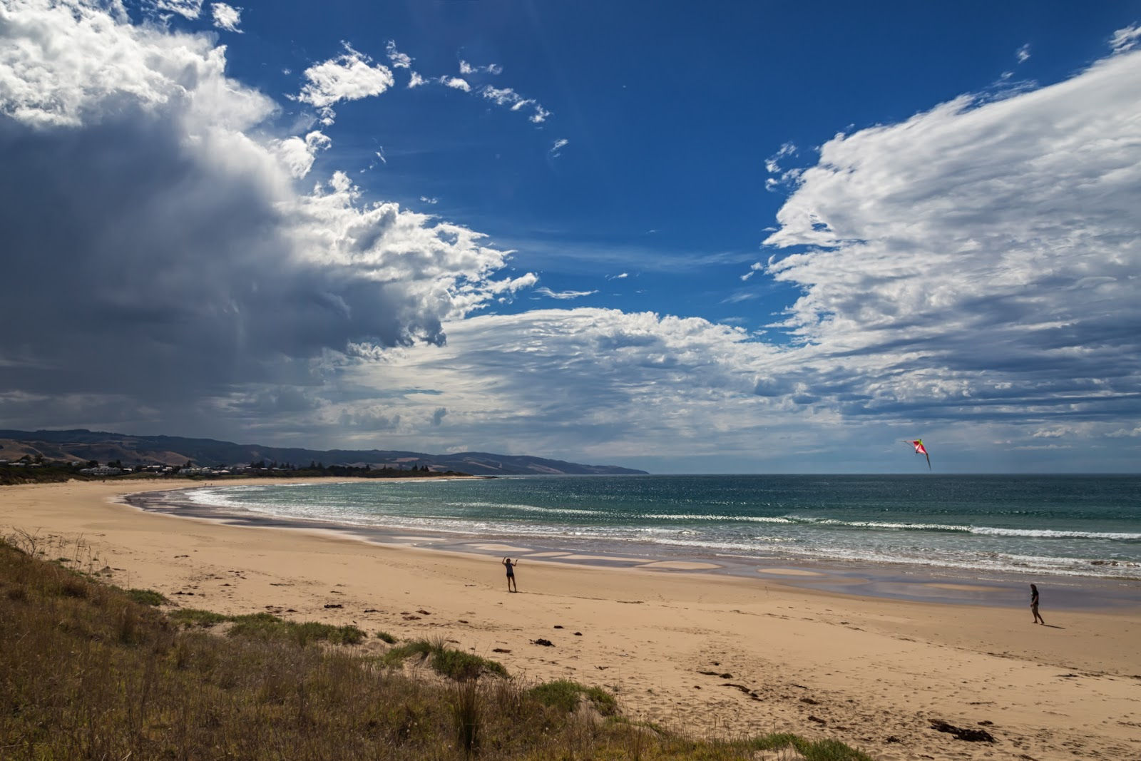 flying kite on apollo bay beach