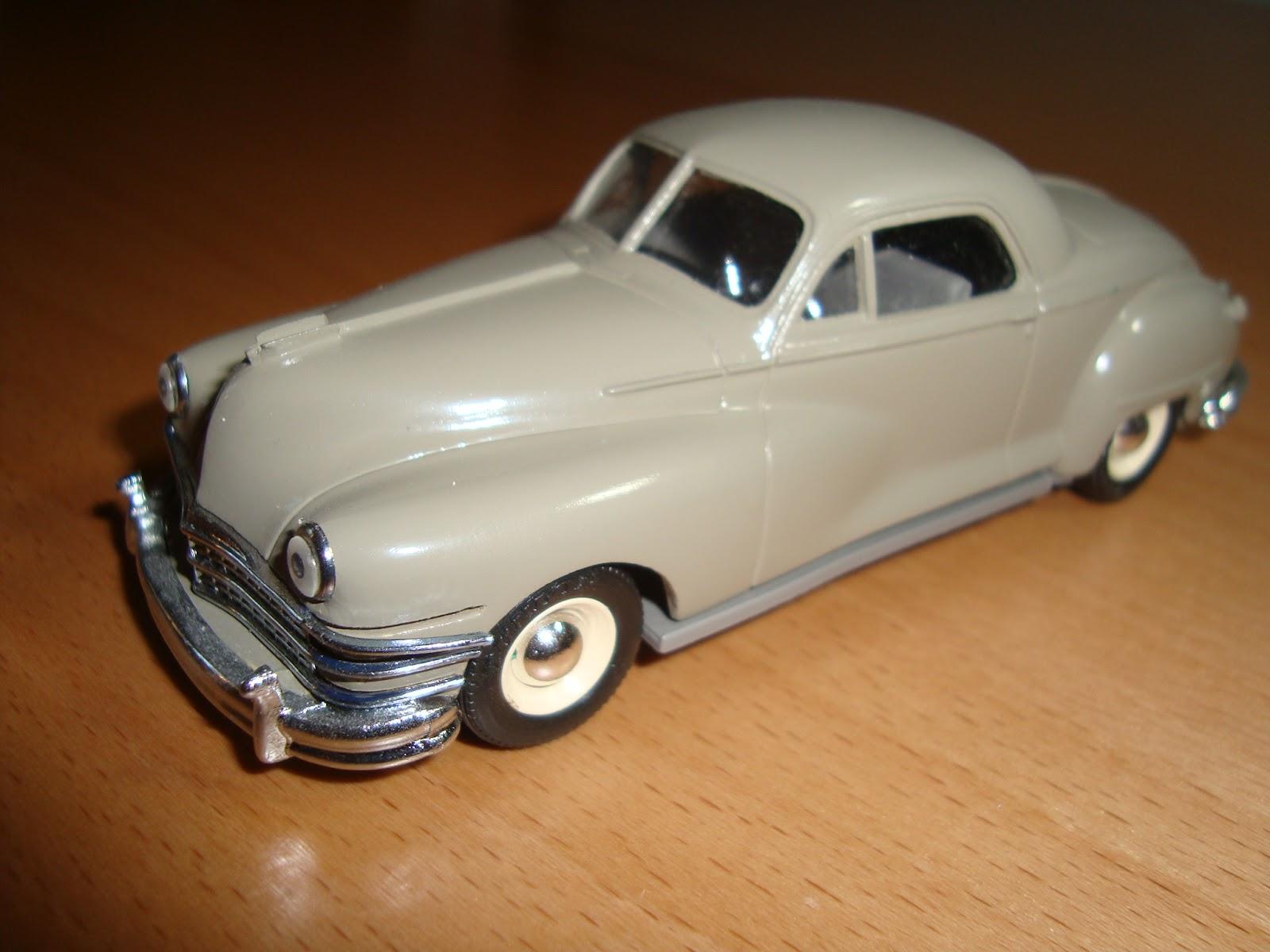 Oscar\'s Classic Model Cars Collection: 1947 Chrysler Windsor