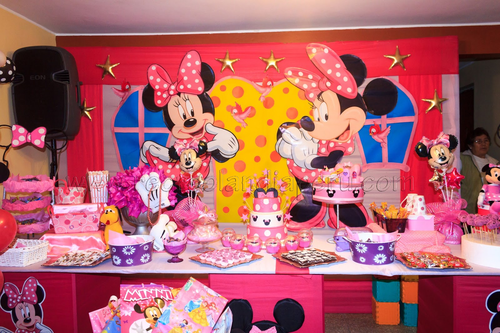 shows infantiles recreolandia cumplea os de alexia con minnie coqueta. Black Bedroom Furniture Sets. Home Design Ideas
