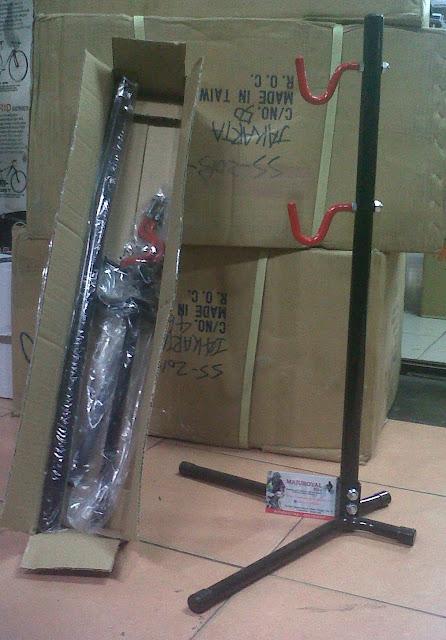 Stand Display Sepeda