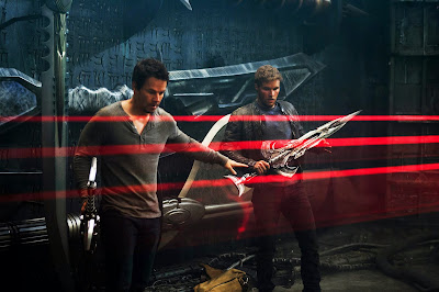 Image of Mark Wahlberg and Jack Reynor in Transformers Age of Extinction