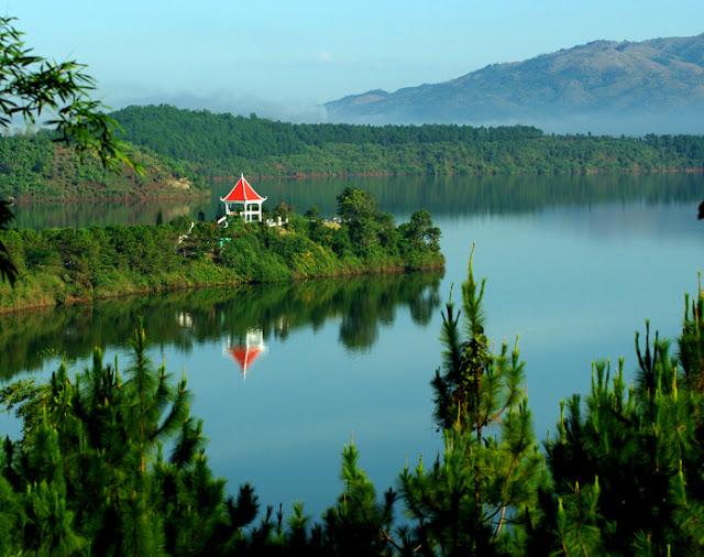 Tơ Nưng Lake
