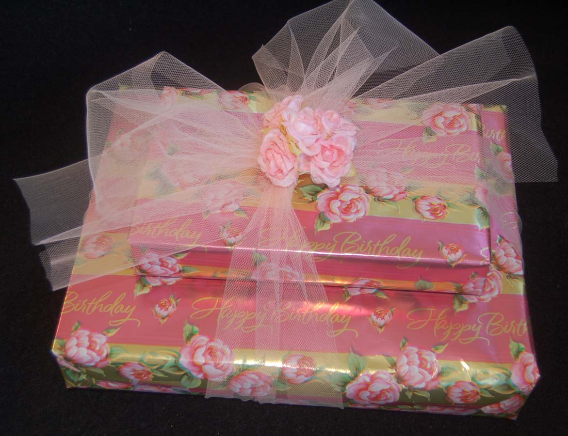 Lynn\'s Craft Blog: Gift Wrapping with Tulle
