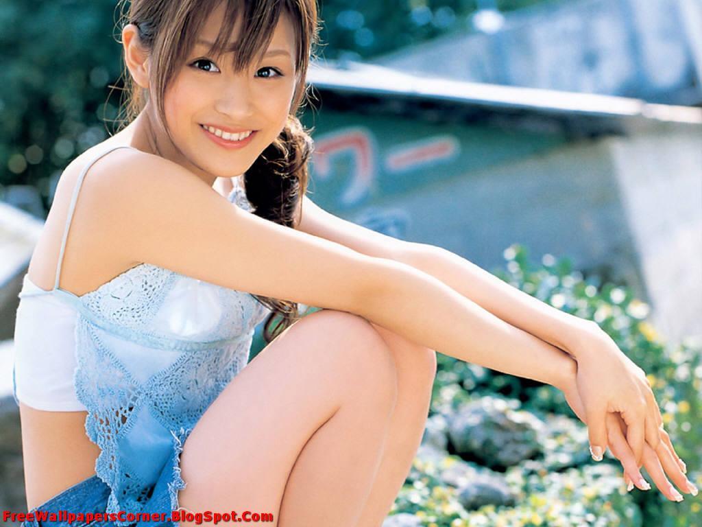 http://4.bp.blogspot.com/-dANfYDzzRsY/TV3-zheCZeI/AAAAAAAAATM/K_7-1YREX98/s1600/Ai-Takahashi-%2528FreeWallpapersCorner.Blogspot.Com%2529-21.jpg