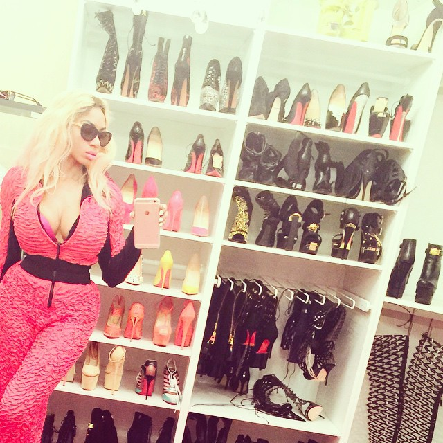 dencia pepper sprayed police italy