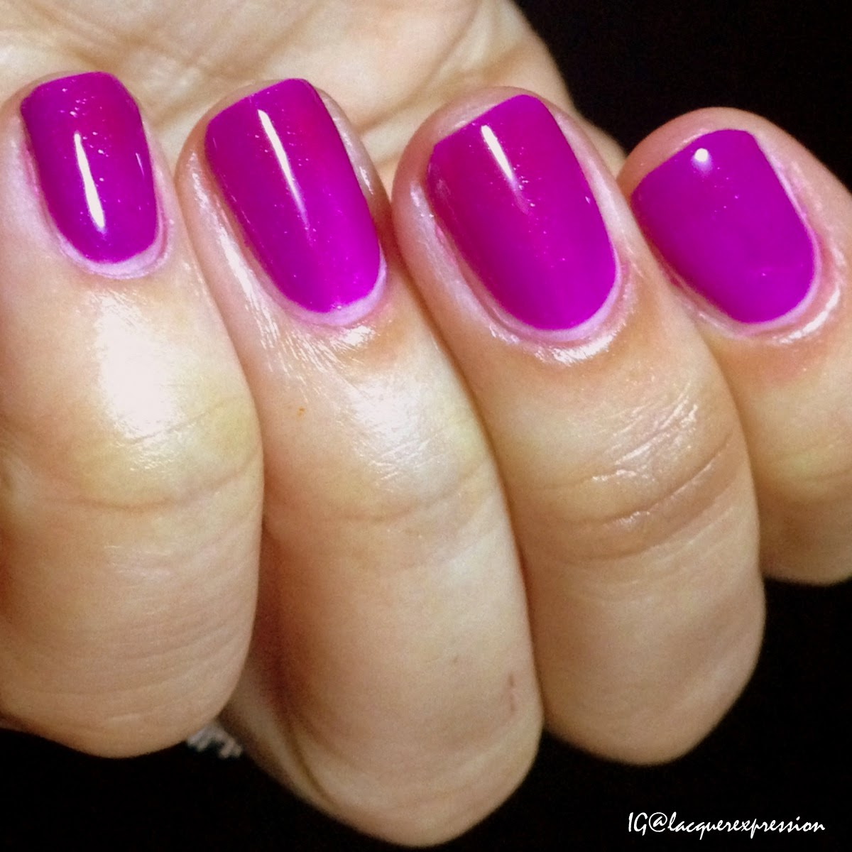 swatch and review of Max Splash nail polish by Shinespark