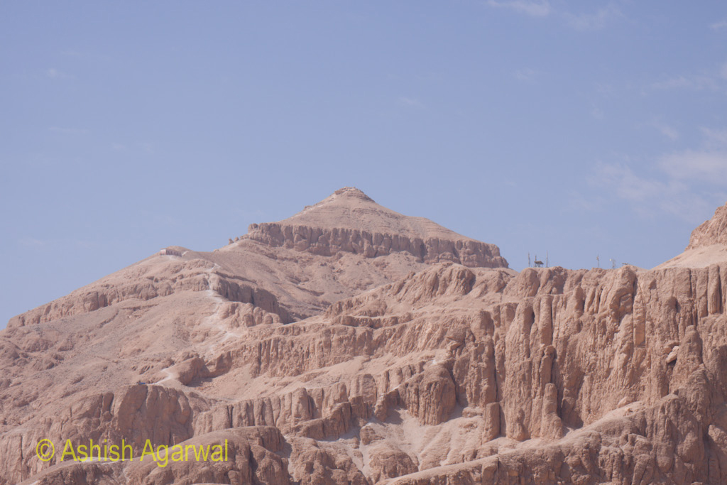 Some of the limestone based hills as we moved from the Valley of the Kings to the Hatshepsut temple