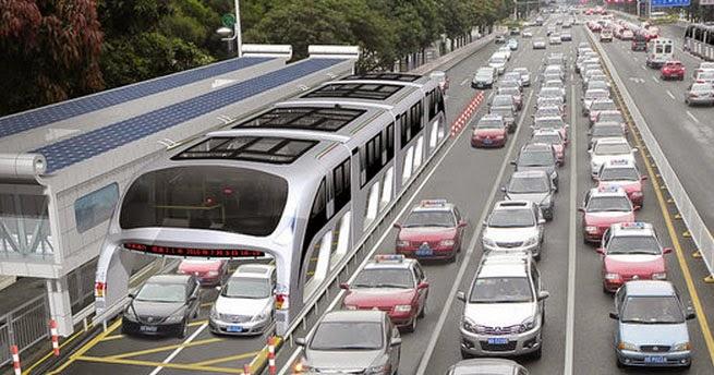Ônibus gigante que passa por cima de carros é inventado por Chineses