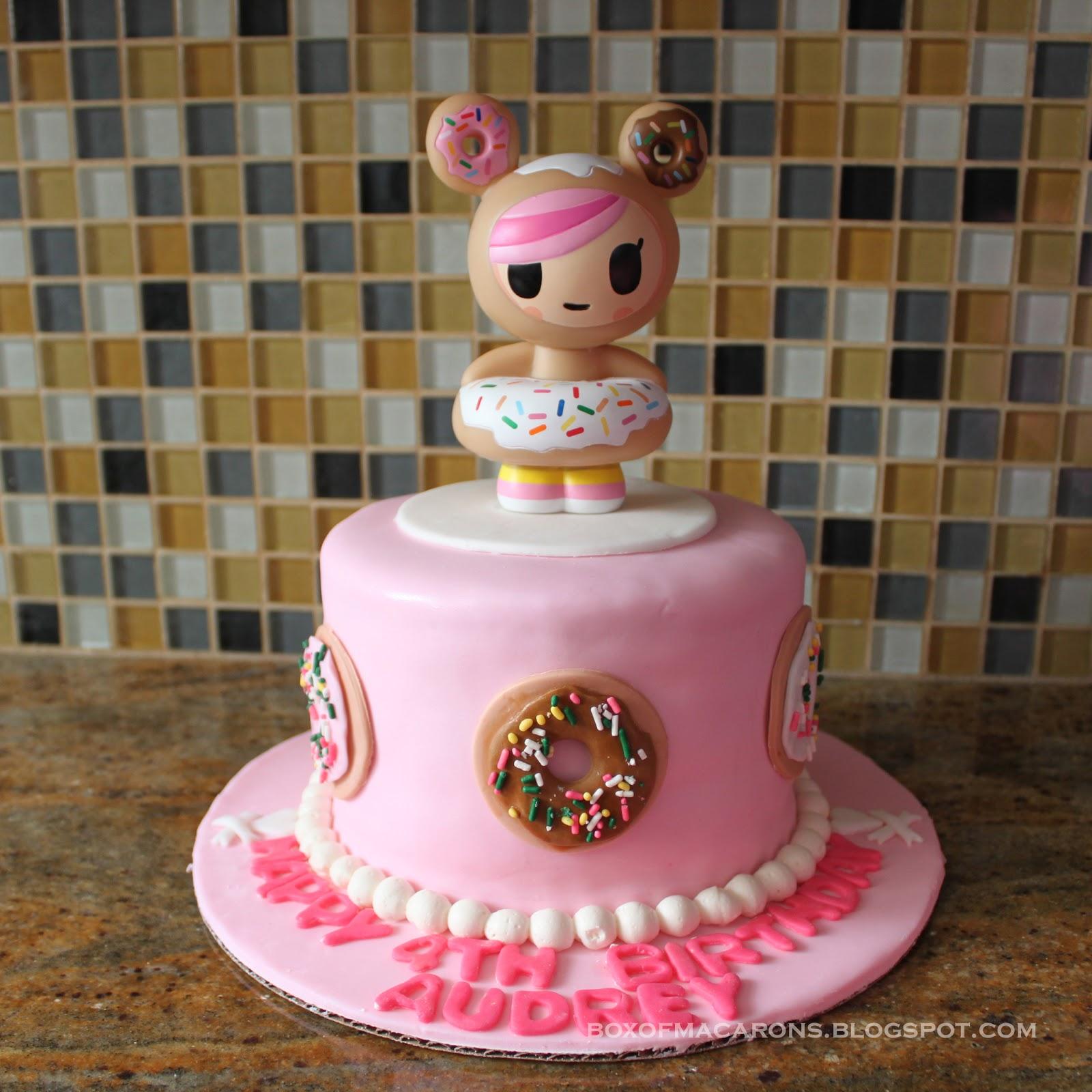 Clarisa\'s Minion Birthday Cake | Box of Macarons: Mariel\'s Food Diary