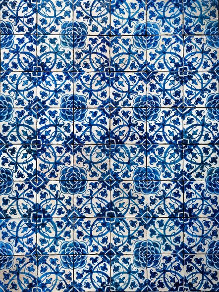 Dirtbin designs azulejos portuguese glazed tiles for Azulejos artesanales