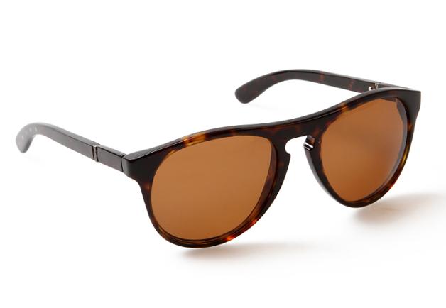 Modelo óculos Marina Em Família usa