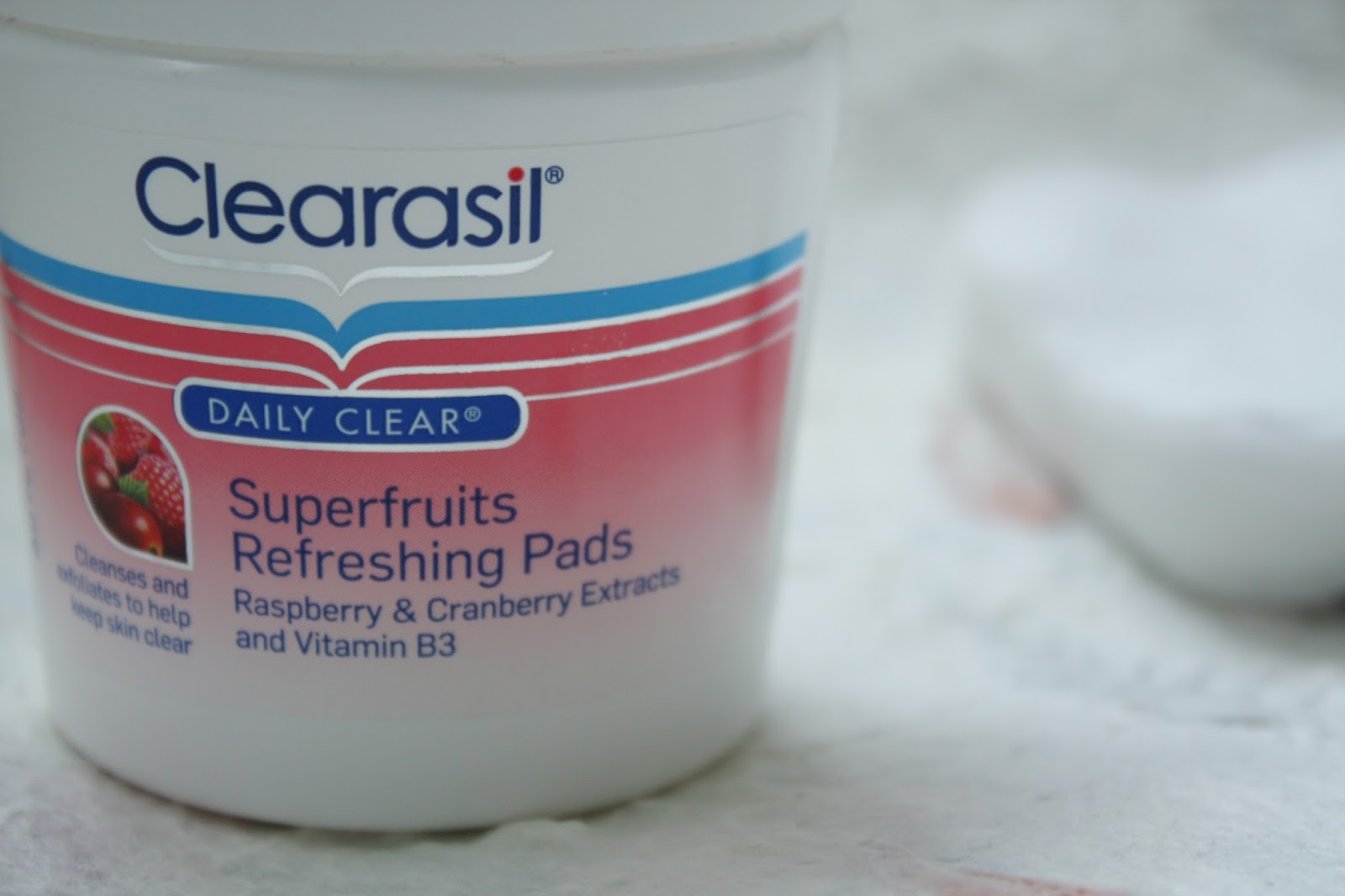 Clearasil Superfruits Refreshing Pads