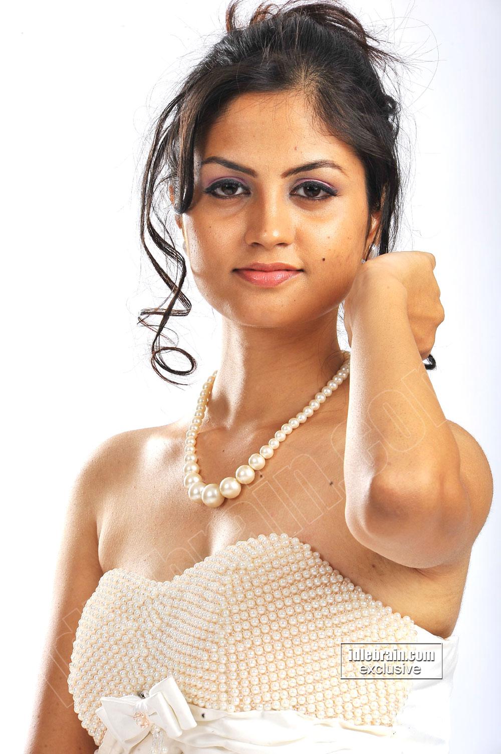 Cute South Indian Desi Babe Madhulika Hot Photoshoot