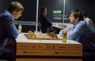 Echecs : Sergey Karjakin (2771) 1-0 Alexander Grischuk (2792) - Photo Chessbase
