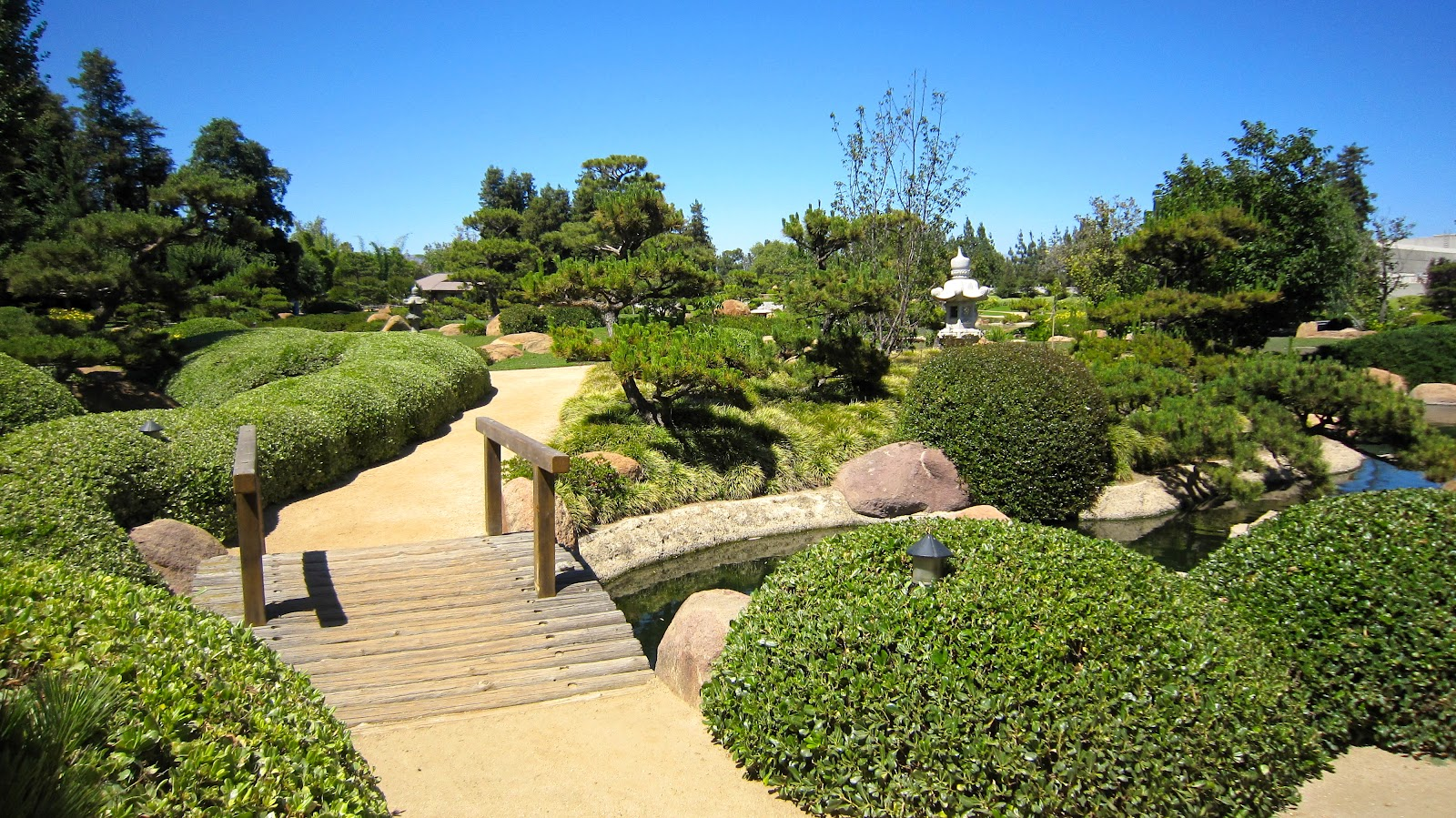 A Minute In The Life Of Maria Experience Explore The Japanese Gardens Van Nuys California