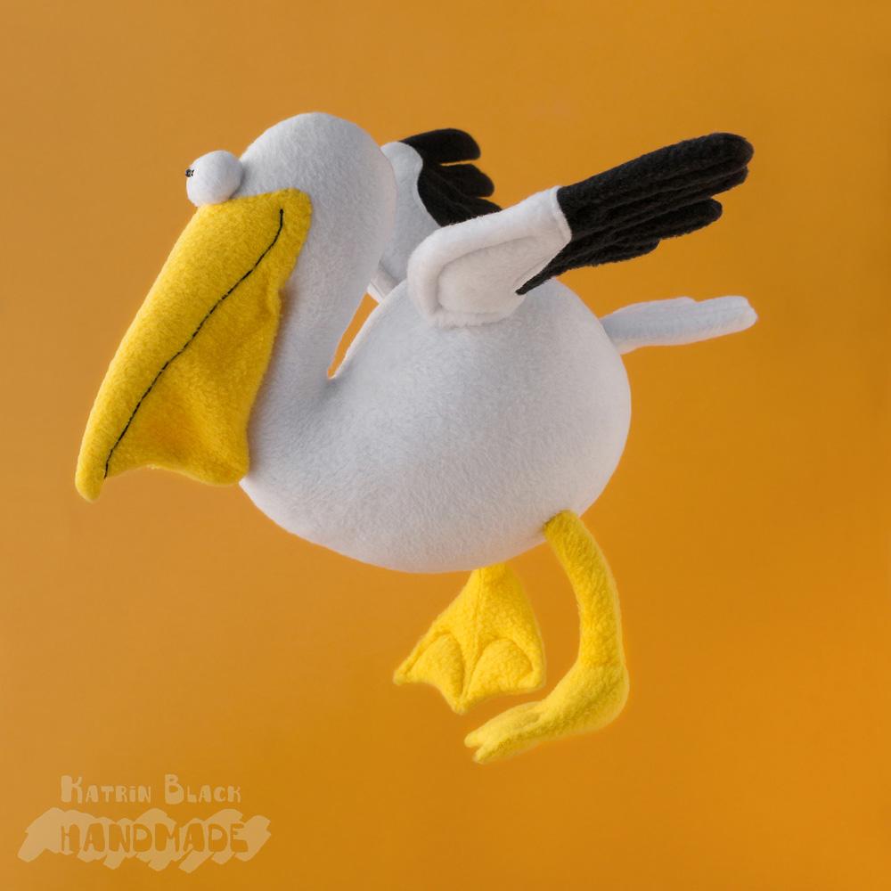 Пеликан - игрушка из флиса. Эксклюзив. Авторская выкройка.