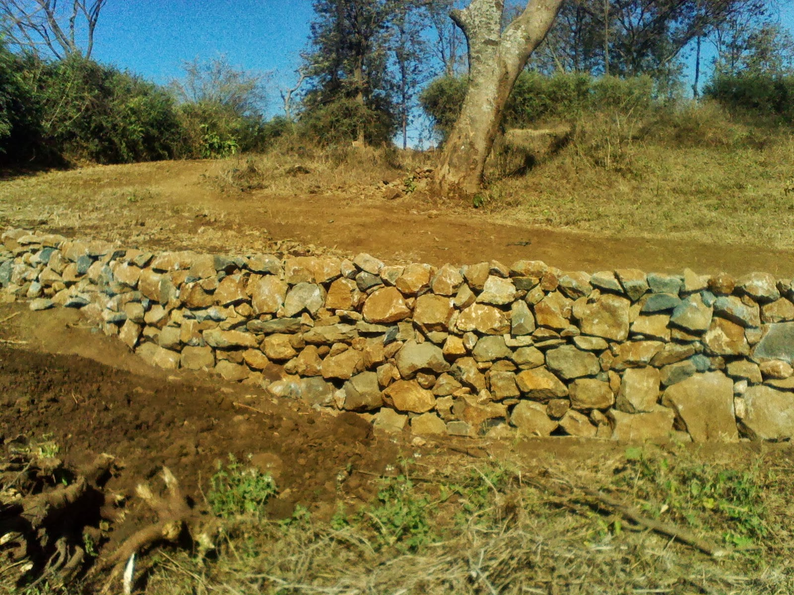 Alternative Building Construction in Tanzania: Dry stack retaining wall