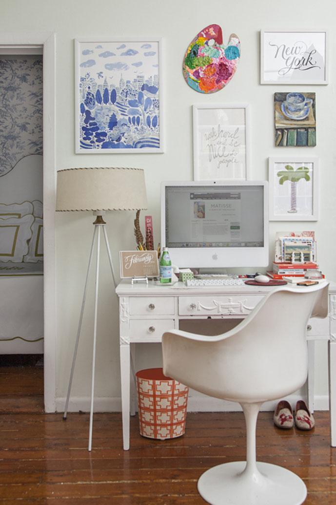 Decoração de Home office em tons neutros