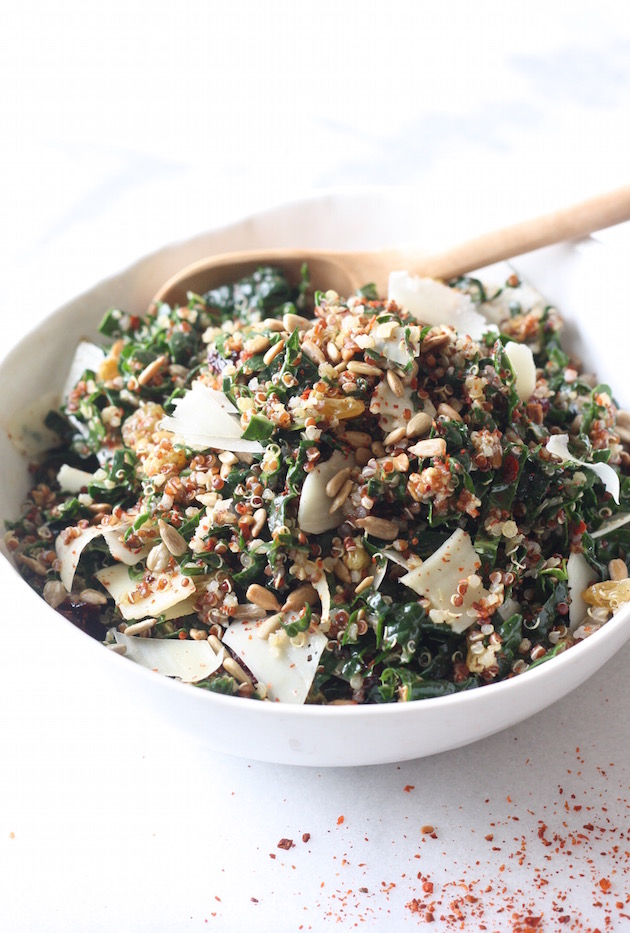 Kale & Quinoa Salad with Lemony Vinaigrette recipe by SeasonWithSpice.com