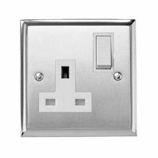 The contractor range P940 Heritage Brass, 13A Switched Single Socket