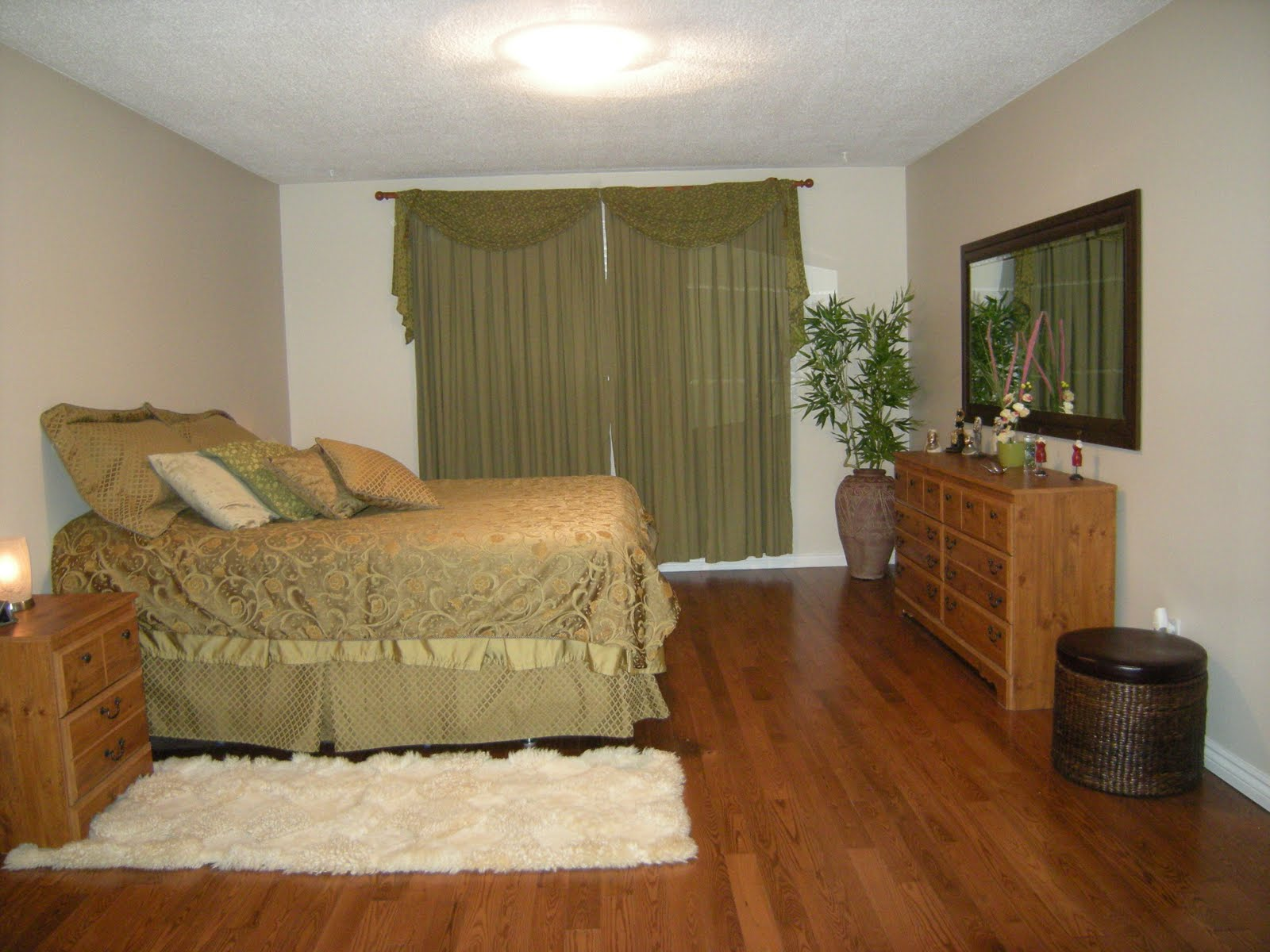 Im vel no canad 59 daines drive whitby on for sale The master bedroom whitby