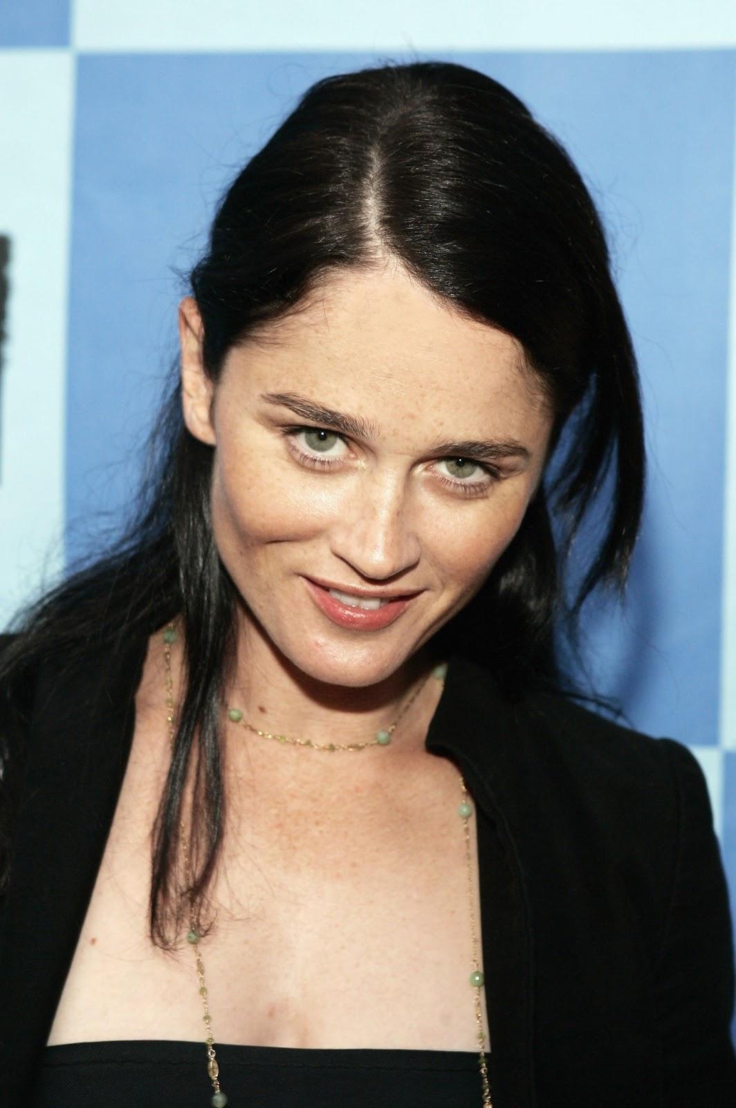 Robin Tunney Photos - Actress Photosz