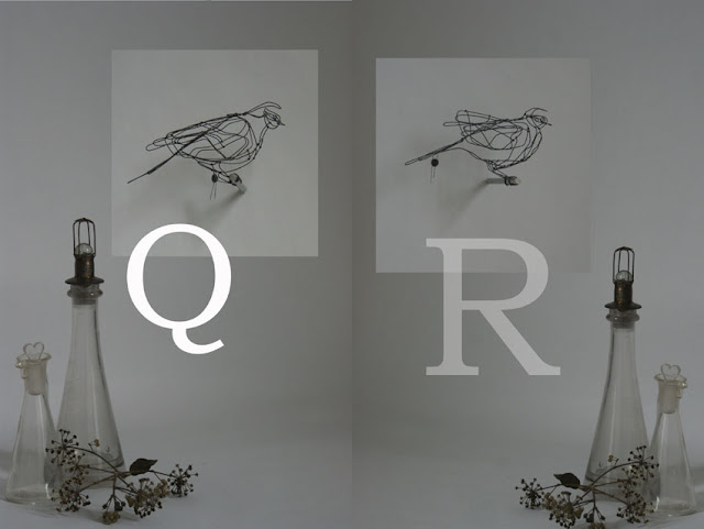  Bird Q: 20 x 7 x 10 cm, Bird R: 19 x 9 x 11 cm