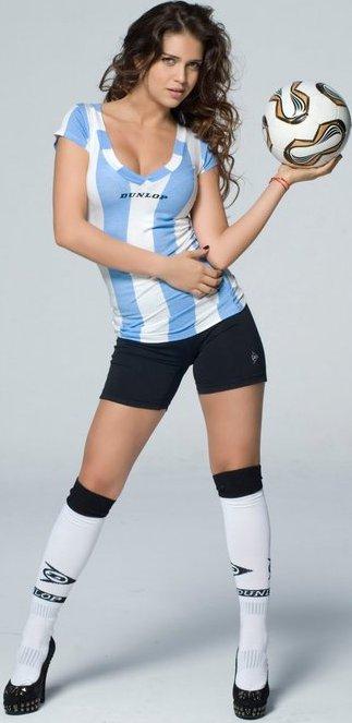 Zaira Nara con ropa deportiva