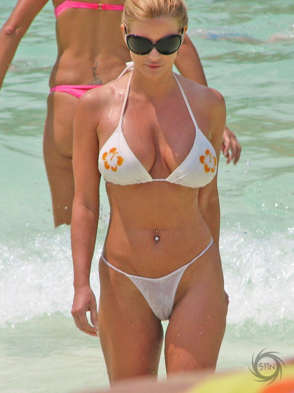 Qu'elle est Jessica simpson bikini cameltoe hot