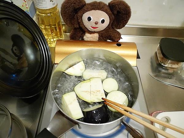 イワシとナスの梅煮そばの作り方(1)