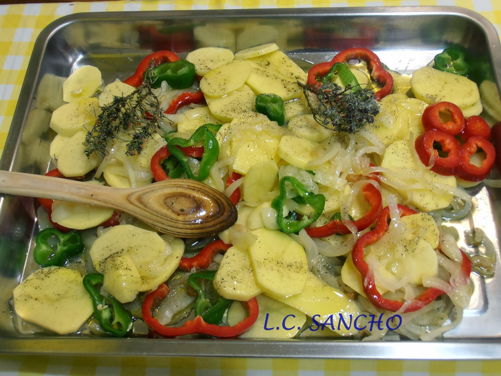 Con mar a en su cocina lubina al horno con patatas panaderas - Verduras rellenas al horno ...