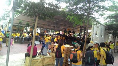 Bersih 4: Huge tents at Medan Pasar