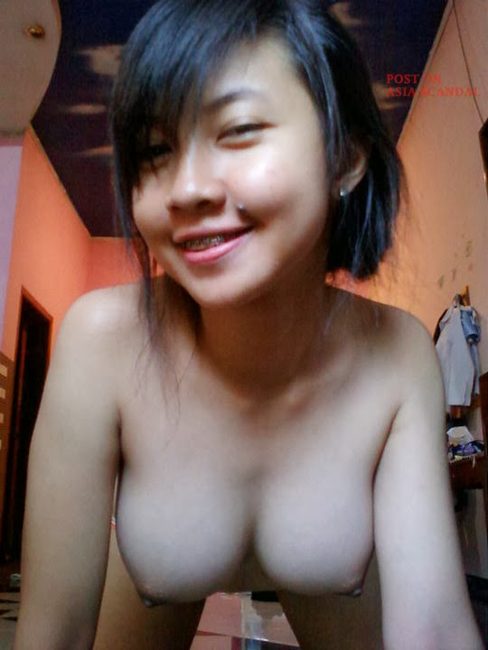 http://www.imgbabes.com/aprszjiexy2c/Pinay_Teen_Facebook_Girlfriend_gets_Topless__(2).jpg.html